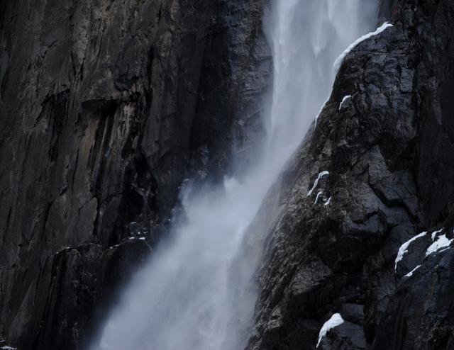 Thác Yosemite mùa này nhiều nước