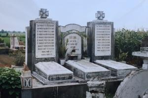 Nghĩa trang ở làng quê Nam Định, miền Bắc Việt Nam